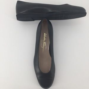 Ferragamo Boutique Sz 9 Leather Ballet Flats